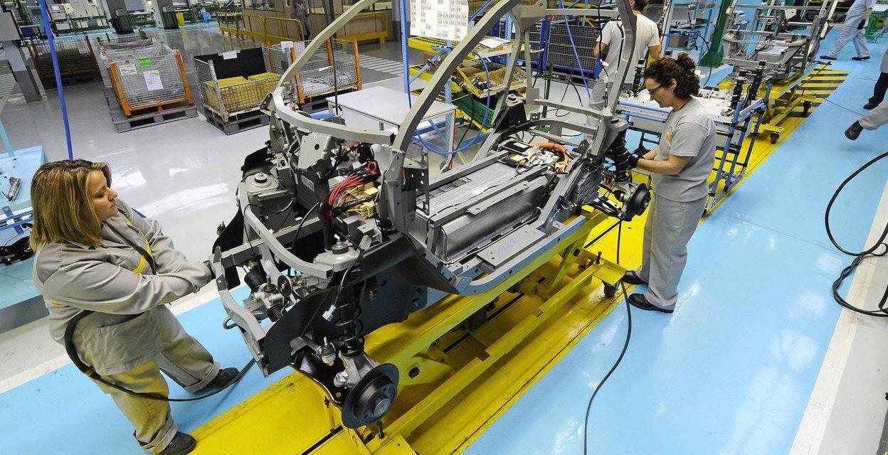 A la transformación ecosocial no se llega en coche eléctrico