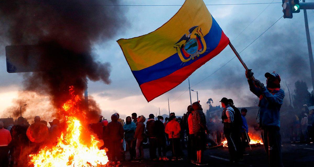 Ecuador frente a su verdugo